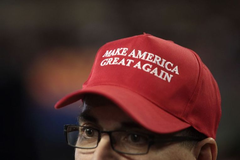 Make_America_Great_Again_hat_(27149010964)